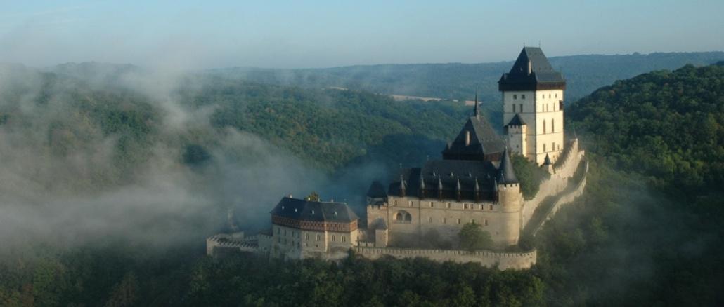 Замок Карлштейн - достопримечательность Чехии - Что посмотреть в Чехии.
