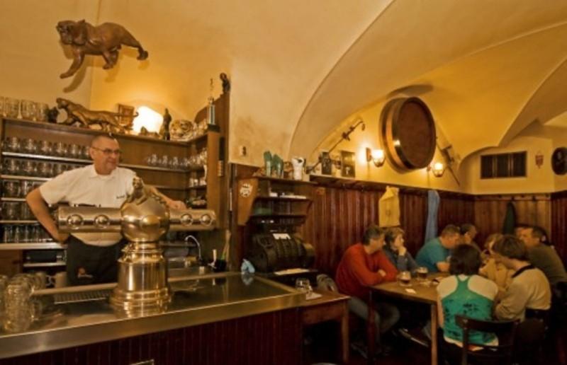 """""""У золотого тигра"""" — пивная с богатой историей и удивительными традициями."""