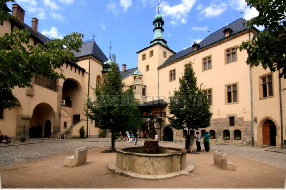 Влашский (Итальянский) двор в Кутна-Горе – бывший монетный двор Чехии.