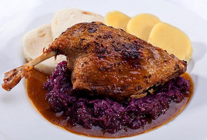 Чешская национальная кухня - запеченная утка
