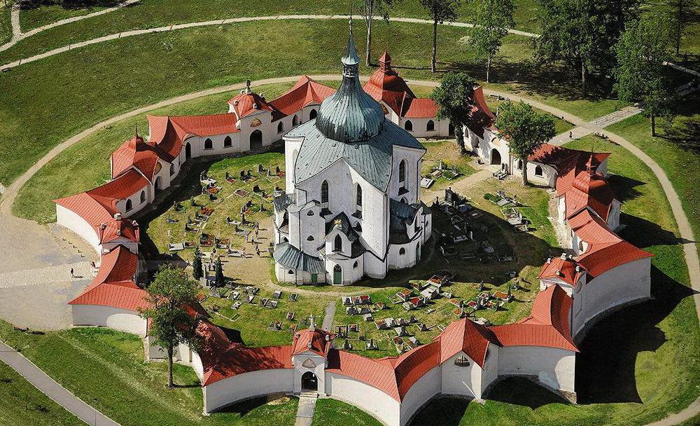 Церковь Святого Яна Непомуцкого на Зеленой Горе в городе Ждяр-над-Сазавоу