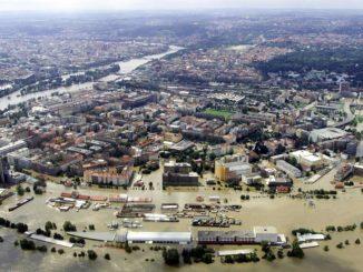 Наводнение в Праге в 2002 году.