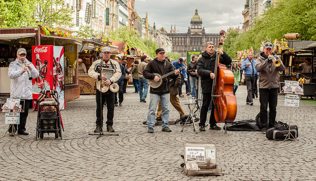 ulichnye_muzikanty_praga