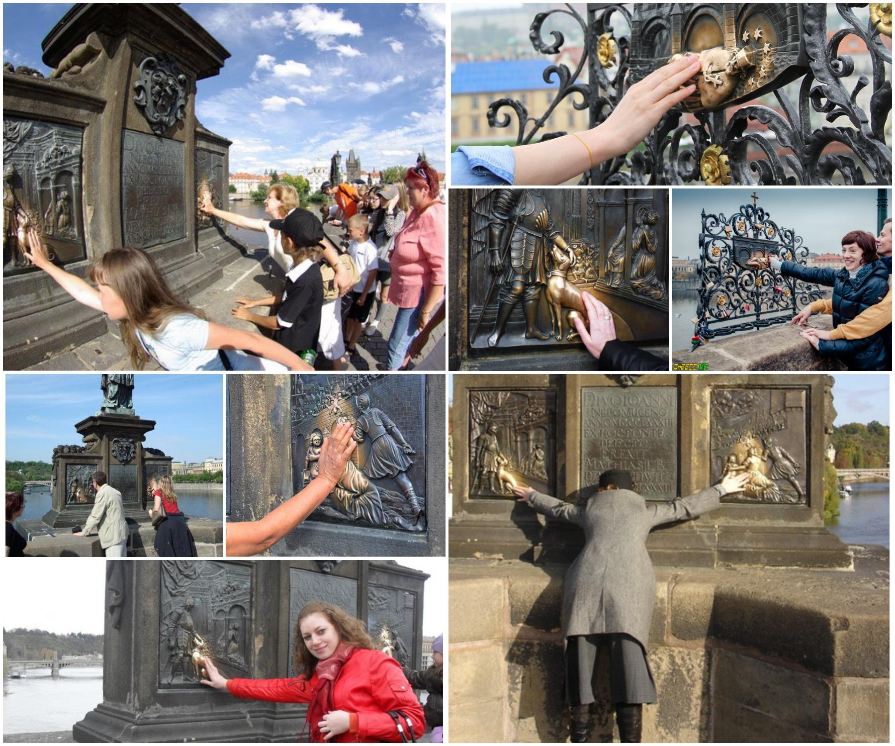 Ян Непомуцкий на Карловом мосту - туристы загадывают желания.