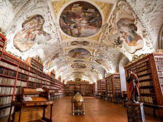 Библиотека страговского монастыря.